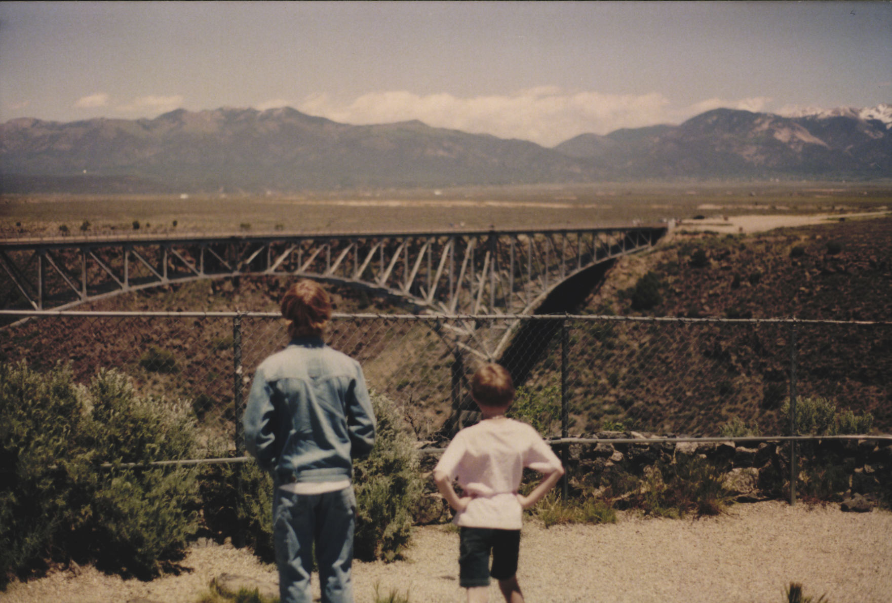 Collin & Indiana at the Rio Grande River Bridge May 2007 A
